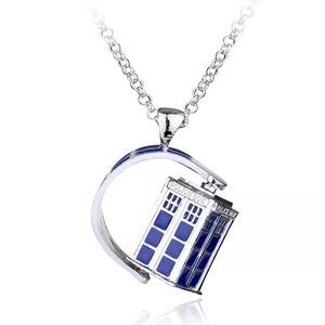Jewelry - DOCTOR WHO TARDIS NECKLACE